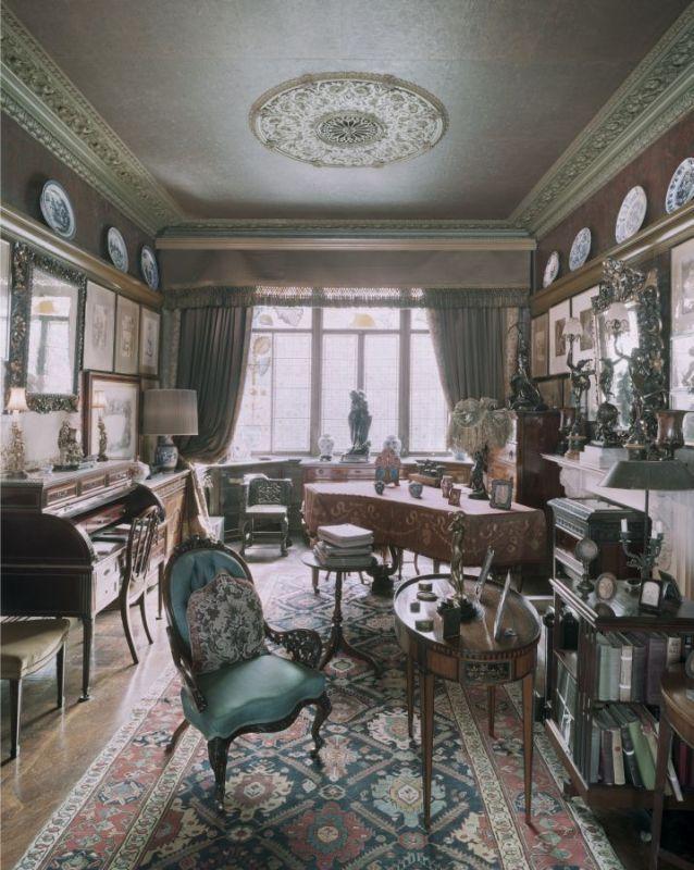 18 Stafford Terrace.  Justin Barton for 18 Stafford Terrace; Royal Borough of Kensington and Chelsea.