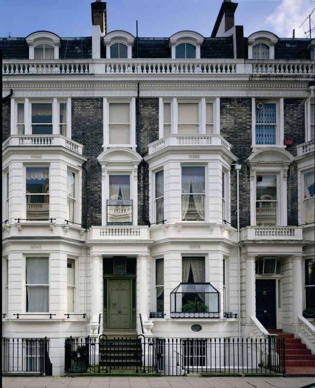 18 Stafford Terrace; Royal Borough of Kensington and Chelsea.