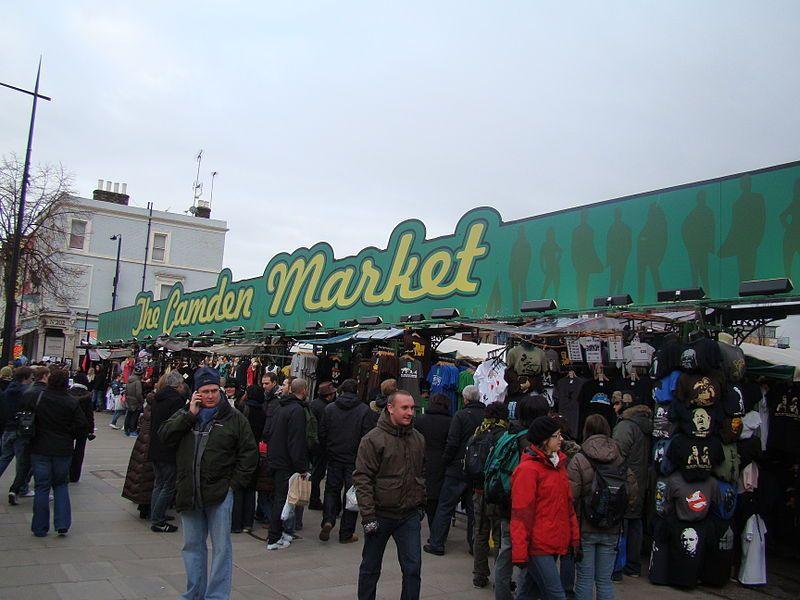 Camden Town, Buck Street Market. Wikimedia Commons, autor Robert Lamb