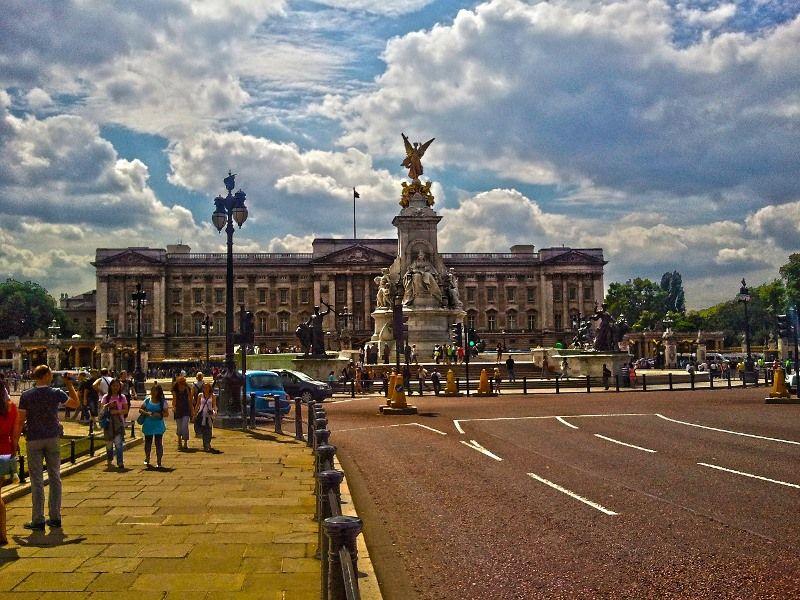 Queen Victoria Memorial y Palacio de Buckingham