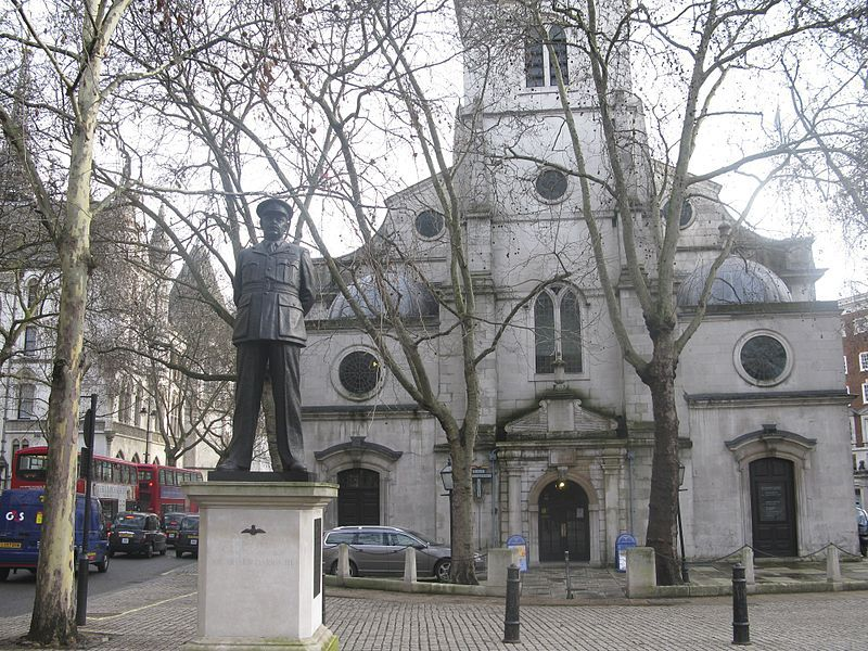 St Clement Danes. Wikimedia Commons, autor Ronnie Macdonald